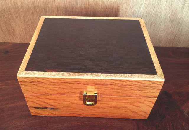 20 EssentialOil Box - Silky Oak box wth Woody Pear Lid (EOB-1579)