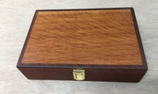 Classic Gentleman's box with Lace Sheoak Lid, Leather lining (CGBS3-1927/L4952)