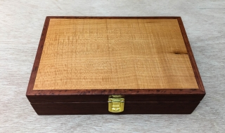 Classic Gentleman's box, Silky Oak Lid, Leather lining (CGBS3-L4958)
