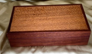 Premium Jarrah/Silky Oak Keepsake Box (Medium) - PKBM20011-L8558