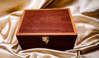 Classic Small Jarrah Jewellery Box with Tray (M) - CJBT20008-L7416